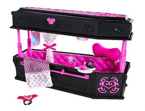 New Monster High Furniture Draculaura S Bed Yay This High Doll Bed Set