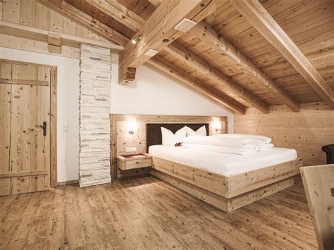altholz schlafzimmer bild quot schlafzimmer mit altholz eingerichtet quot zu bauernhof