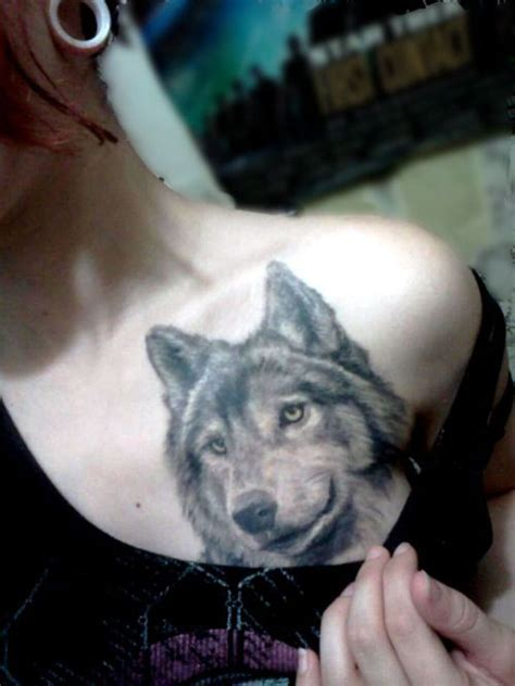 small wolf head tattoo 23 best small wolf tattoos images on small