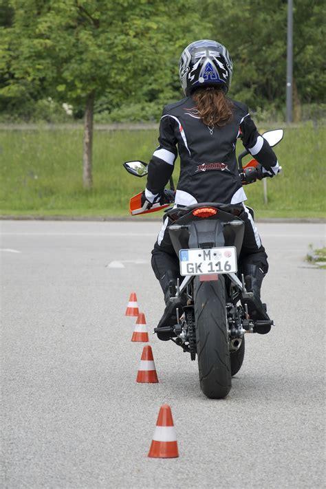 T V Ludwigsburg Fahrsicherheitstraining Motorrad 2016 by Dsc8509 Fahrschul Tv