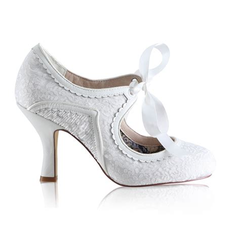Things To Consider When Buying Heels by 8 Top Tips Things To Consider When Buying Your Bridal Shoes