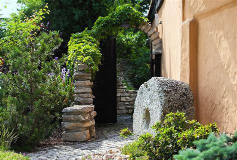 mediterrane garten mediterrane g 228 rten gartengestaltung mit naturstein
