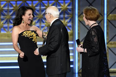 norman lear and carol burnett photos from the emmys the seattle times
