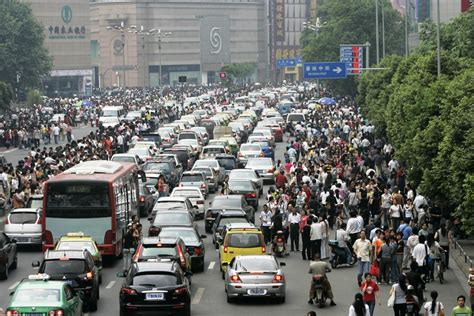 imagenes de trafico web este nuevo autob 250 s podr 237 a viajar por encima de los carros