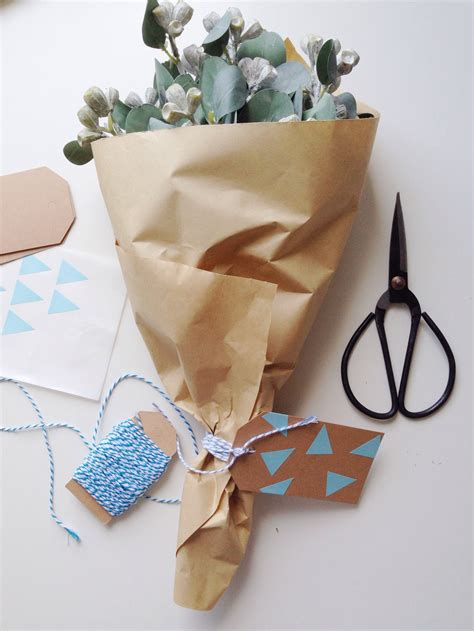 100 gift wrapping flowers how to make a shredder