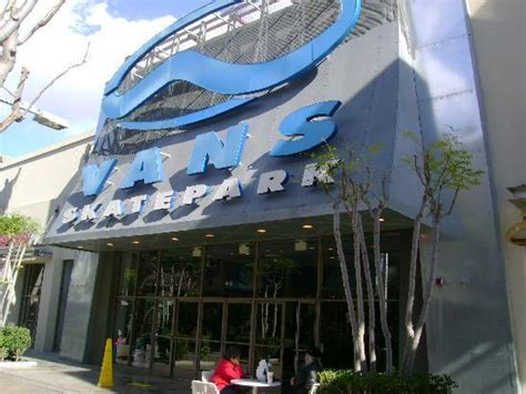 Nordstrom Rack Hours Laguna by Grab A Bite At The Outlets At Orange Food Court Picture