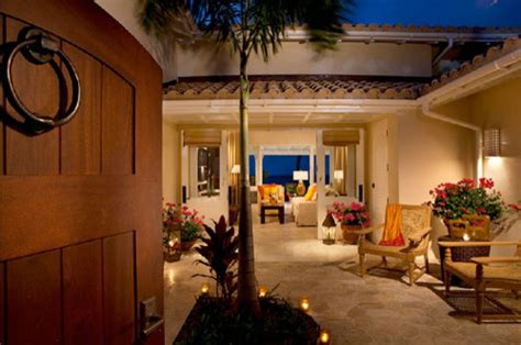 entry courtyard tropical exterior portland by mcm