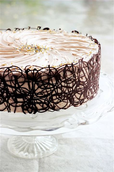 Chocolate Swirl Cake Decoration by Best 25 Simple Cake Decorating Ideas On