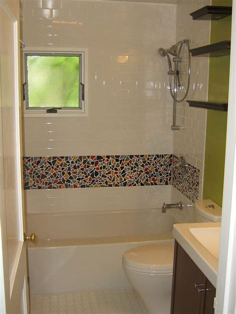 tile borders bathrooms ideas elegant mosaic tiled bathrooms ideas kezcreative com