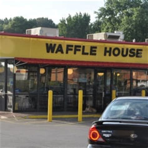 waffle house sycamore view waffle house 14 photos 19 reviews burgers 1550 sycamore view rd bartlett