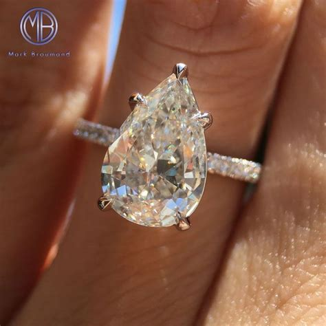 Wedding Rings Pear Shaped by 25 Best Ideas About Pear Engagement Rings On