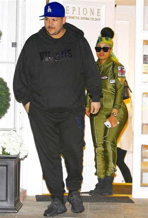 Singer Kitchen Cabinets by Rob Kardashian And Blac Chyna Give Bizarre Tour Of His