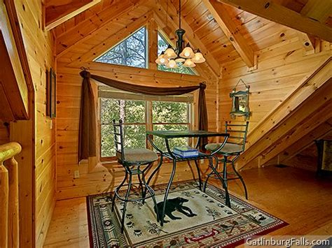 pigeon forge cabin dogwood 1 bedroom sleeps 6 pigeon forge cabin cozy creek hideaway 1 bedroom