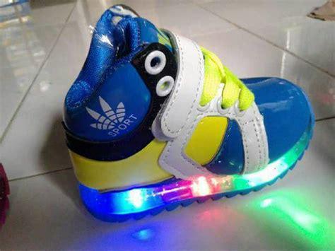 Sepatu Nyala Anak jual sepatu anak adidas boots led bisa nyala zf store
