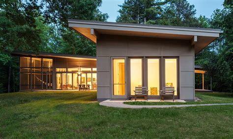 Hammock Mansion by Hammock House Samsel Architects