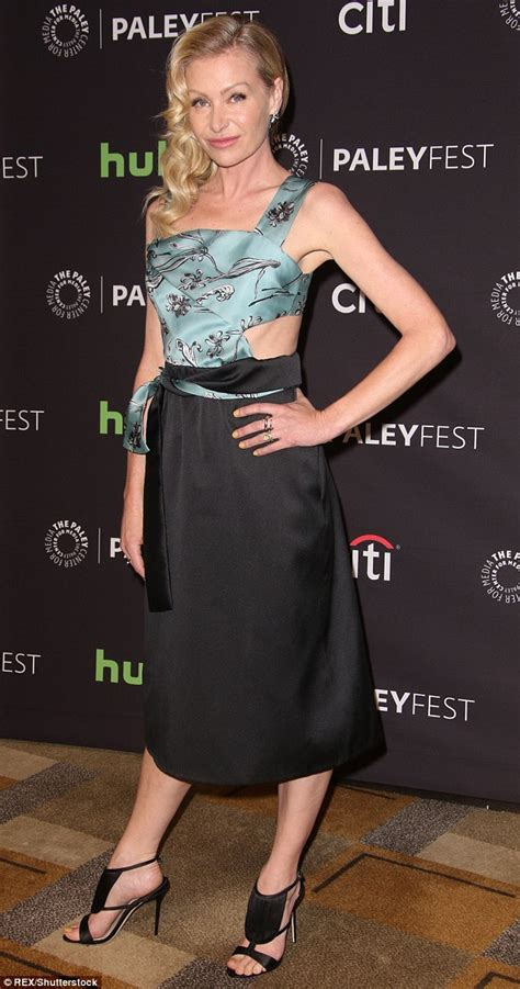 Dress Serli Elegan portia de oozes elegance as she attends paleyfest