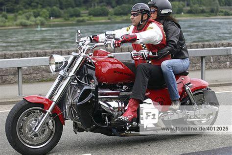 Boss Hoss Motorrad Daten by Achtzylinder Motorrad Bosshoss Lizenzpflichtiges Bild