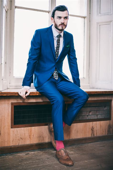 what color socks with navy suit flash a pink sock with your blue suit slaters ss15