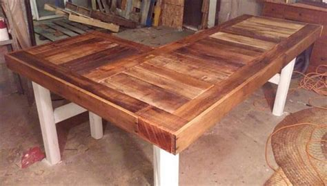 diy recycled pallet  shaped desk pallet furniture plans