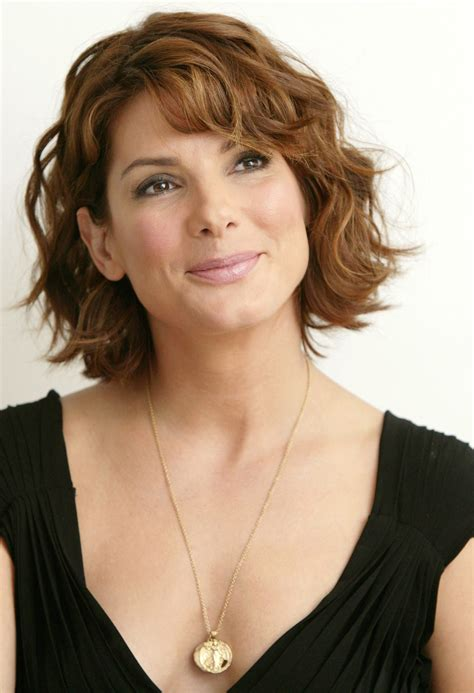 short and medium hair styles pictures sandra bullock short hair hairstyles globezhair hair