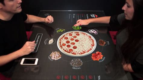 concept pizza hut une table interactive tactile pour