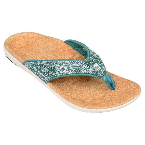 spenco yumi sandals spenco yumi canvas sandals s run appeal