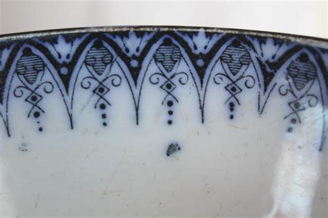 a flow pattern en français vintage french flow blue footed bowl luneville france