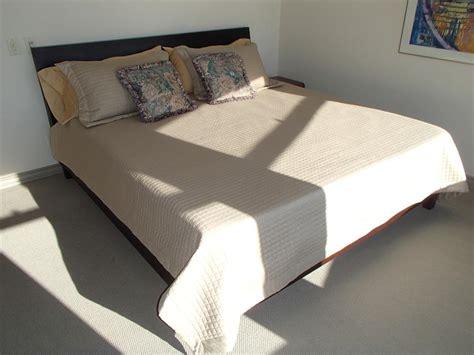 king size bed frame tempurpedic mattress box spring north saanich sidney victoria