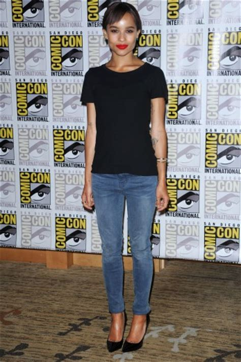 zoe kravitz casual outfits get the look zoe kravitz casual chic