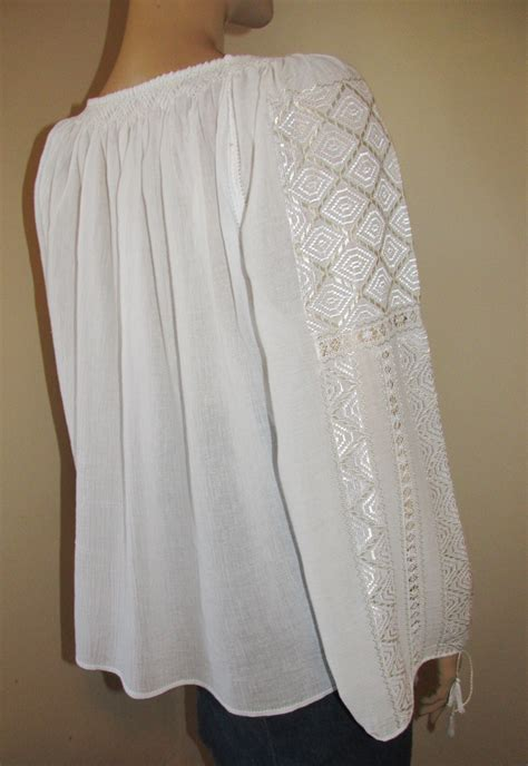 White Embroidered Size M L embroidered blouse white ivory rhomb