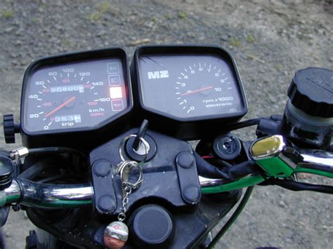 Motorrad Batterie Wird Nicht Geladen by Testfahrt F 252 R Die Ladekontrollleuchte Am Rotax Bernis