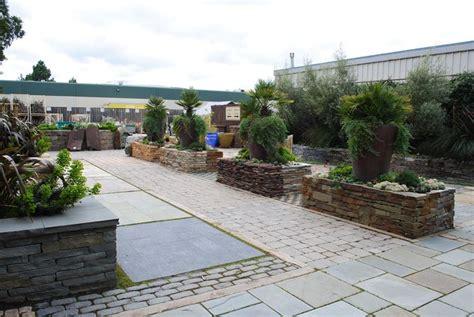pavimento per giardini pavimenti per giardini pavimento da esterno tipologie