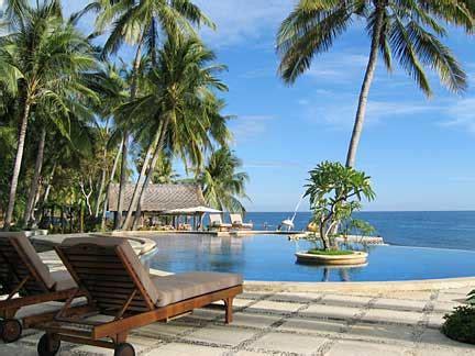 traveling indonesian wisata pantai anyer  carita
