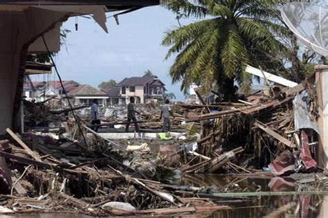 earthquake today indonesia aceh earthquake tsunami warning issued after 8 7 quake