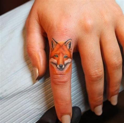 Finger Tattoo Fox | fox head tattoo on finger