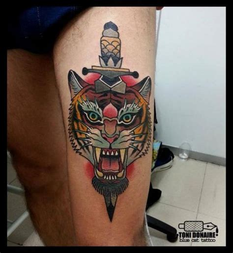 tattoo old school tigre significato tatuaje tigre daga muslo por tattoo blue cat