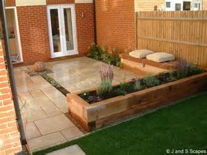 Small Garden Bed Design Ideas Raised Bed Patio Deck Combo Raised Bed Ideas Gardens Raised Beds And Planters