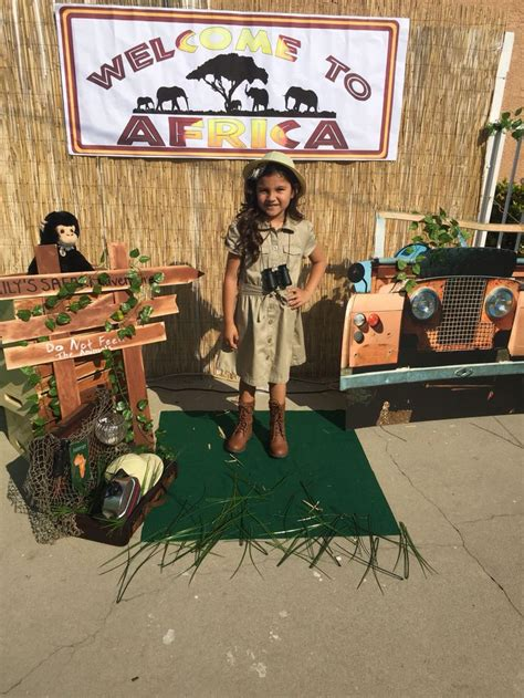 safari photo booth layout the 25 best safari photo booth ideas on pinterest