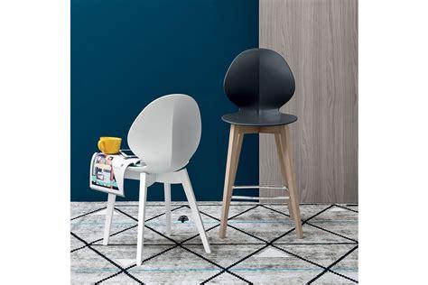 bagno basile sedia e sgabello basil di calligaris righetti mobili novara