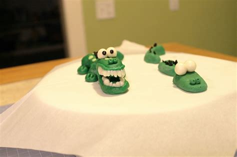 Cake Ala Ali Cheesy Rolz lala cake how to make a quot swimming alligator quot with modeling chocolate fondant