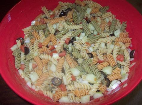 pasta salad with rotini rainbow rotini pasta salad recipe just a pinch recipes