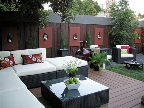 White Garden Design Ideas Hgtv Backyard Ideas Decorating