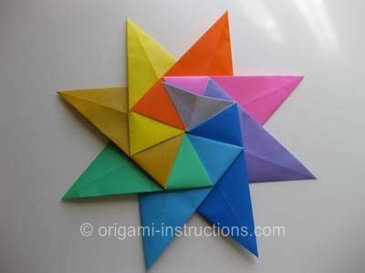 Eight Pointed Origami - 8 pointed putting the units together origami