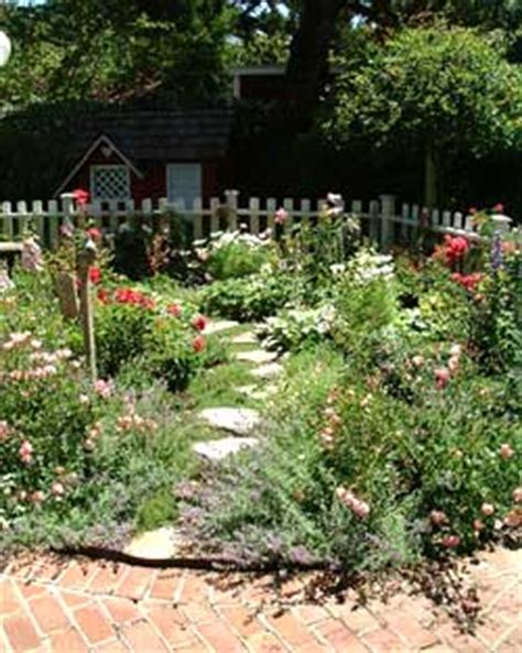 Yard Trellis Ideas Laurie Callaway Garden Design
