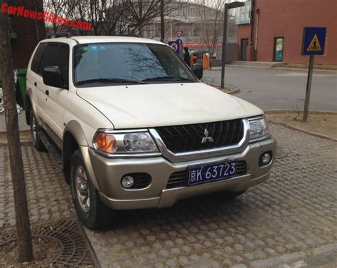 mitsubishi china spotted in china beijing jeep mitsubishi pajero sport
