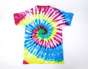 how to tie dye a shirt with food coloring rainbow diy tie dye t shirt favecrafts