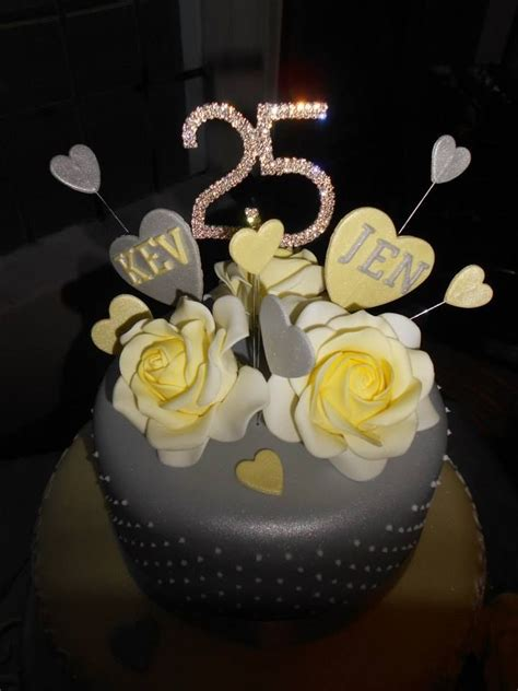 25th Wedding Anniversary Ideas Uk by 31 Best Silver Wedding Cake Anniversary Cake Ideas Images