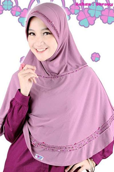 Clover Clothing Jilbab Praktis Donia 301 moved permanently