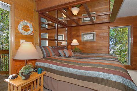 Cheap 1 Bedroom Cabins In Gatlinburg Tn by Hemlock Cheap Cabins In Gatlinburg Timberwinds Cabins