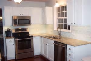 glass tile backsplash white cabinets home design ideas